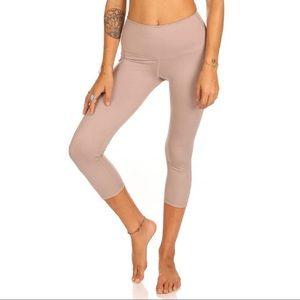 Mika Yoga Wear High Waisted  Aerial Capri